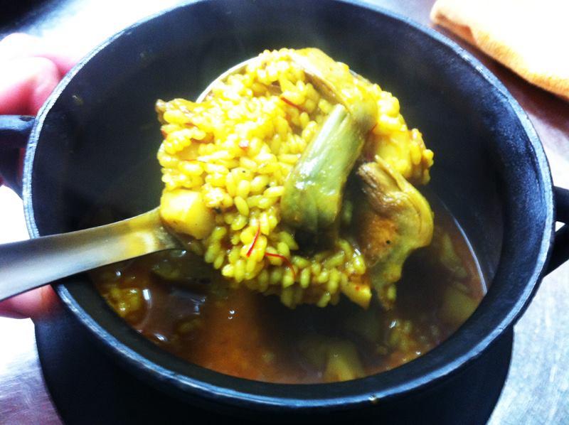 arrocerialavalenciana-arroz-de-sepia-con-alcachofas